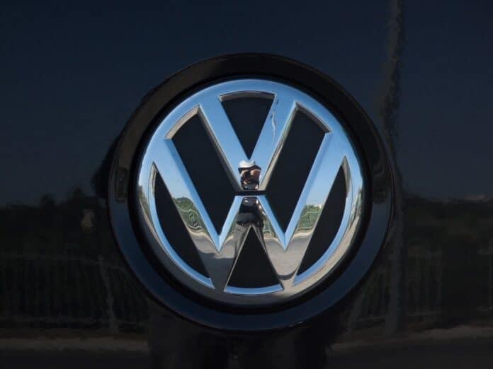 Volkswagen Testing Self-Parking Cars in Public Space